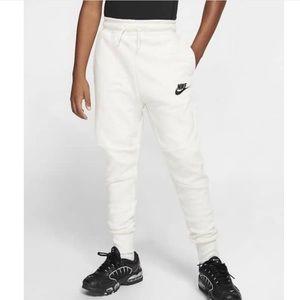 ✔️ NWT✔️ NIKE Sportswear Tech Fleece Pants